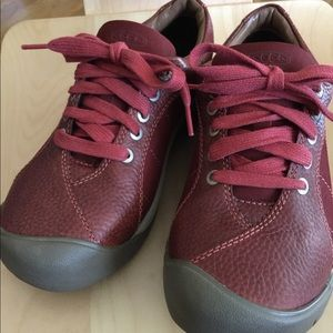 Women's Keen Presidio shoes size 7